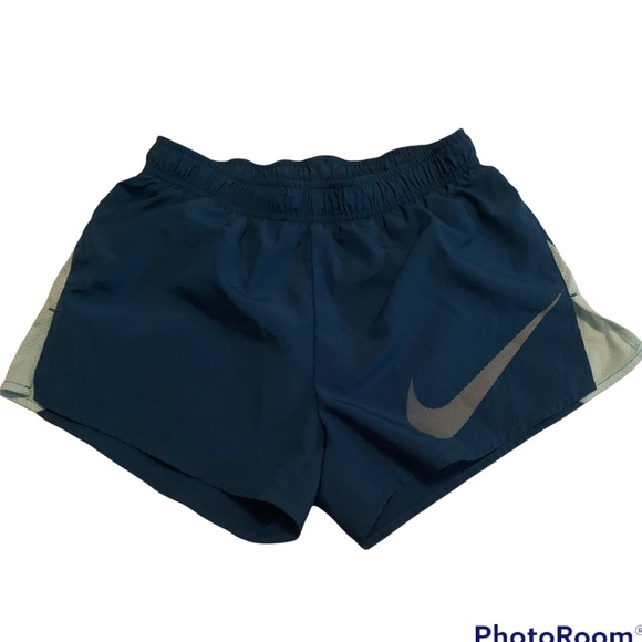 Nike running shorts seagreen